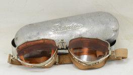 Persol 'Protector' cicogna. I primi occhiali da sole moderni.