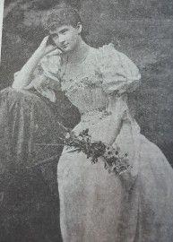 Violet Gibson,17 anni, al ballo delle debuttanti.